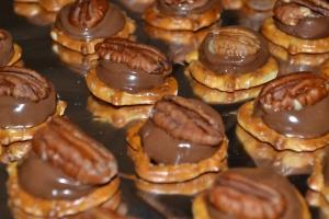 Pecan Pretzel Cookies